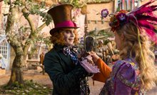 Alice Through the Looking Glass photo 4 of 43