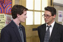 Charlie Bartlett Photo 3 - Large