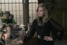 Dark Shadows Photo 6