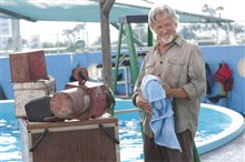 Dolphin Tale Photo 17