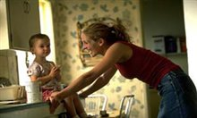 Erin Brockovich Photo 7