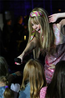 Hannah Montana & Miley Cyrus: Best of Both Worlds Concert Tour in Disney Digital  3-D photo 3 of 8