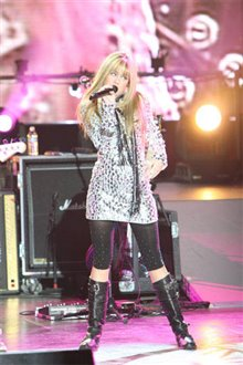 Hannah Montana & Miley Cyrus: Best of Both Worlds Concert Tour in Disney Digital  3-D Photo 5