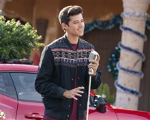 High School Musical: The Musical - The Holiday Special (Disney+) Photo 21