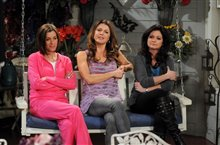 Hot in Cleveland: Season Two photo 2 of 3