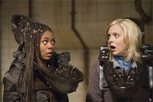 Scary Movie 4 Photo 2