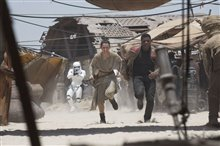 Star Wars: The Force Awakens photo 31 of 51