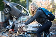The 5th Wave photo 17 of 25