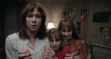 The Conjuring 2 photo 33 of 39