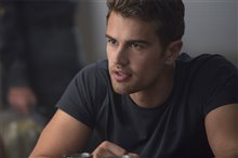 The Divergent Series: Allegiant Photo 5