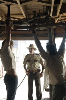 The Texas Chainsaw Massacre: The Beginning photo 14 of 17