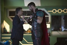 Thor: Ragnarok photo 3 of 28