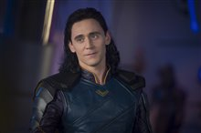 Thor: Ragnarok photo 19 of 28