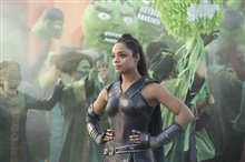 Thor: Ragnarok photo 23 of 28