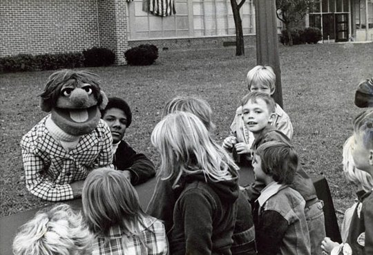Being Elmo: A Puppeteer's Journey Photo 2 - Large