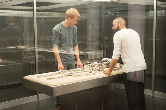 Ex Machina Poster Large