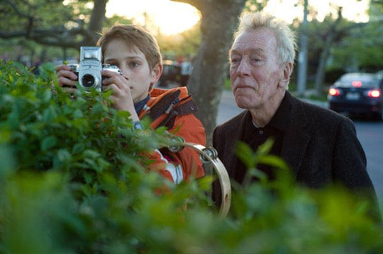 Extremely Loud & Incredibly Close Photo 3 - Large