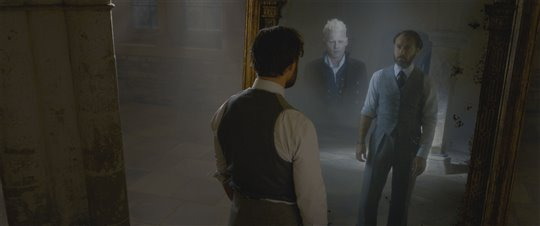 Fantastic Beasts: The Crimes of Grindelwald Poster Large