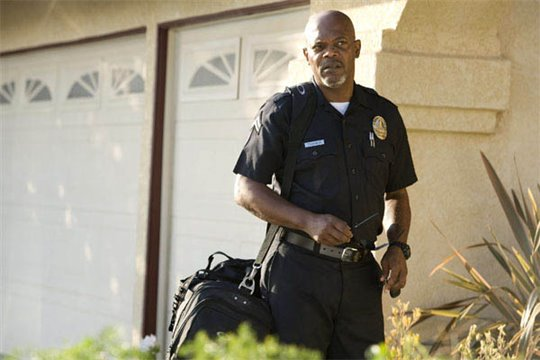 Lakeview Terrace Photo 3 - Large