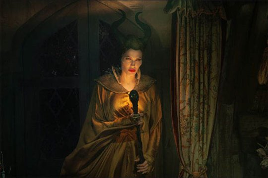 Maleficent Photo 10 - Large