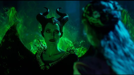 Maleficent: Mistress of Evil Poster Large