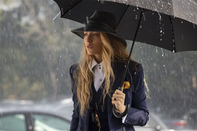 A Simple Favor Photo 2 - Large