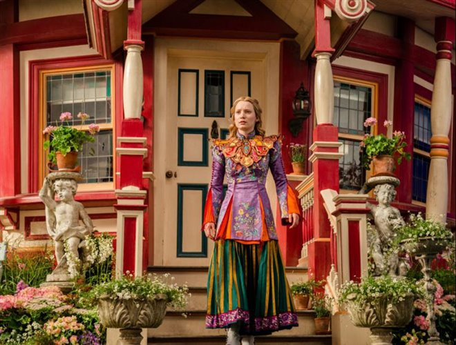 Alice Through the Looking Glass Photo 17 - Large