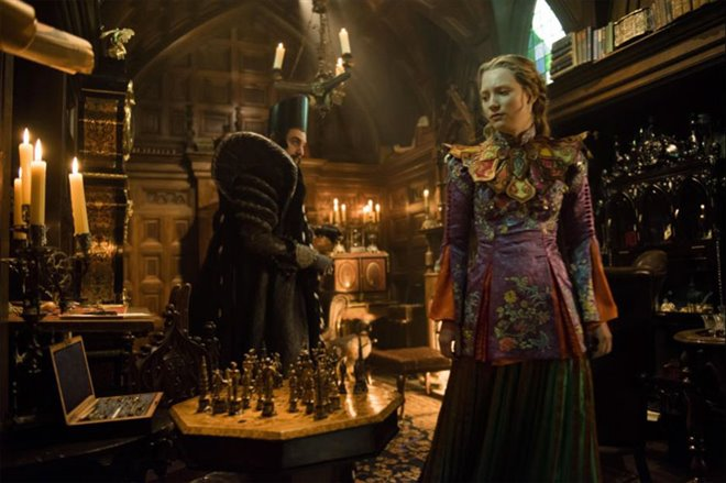 Alice Through the Looking Glass Photo 27 - Large