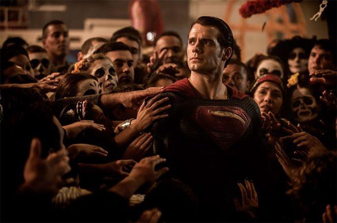 Batman v Superman: Dawn of Justice Photo 4 - Large