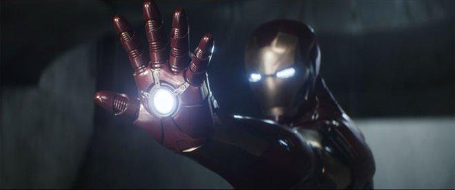 Captain America: Civil War Photo 17 - Large