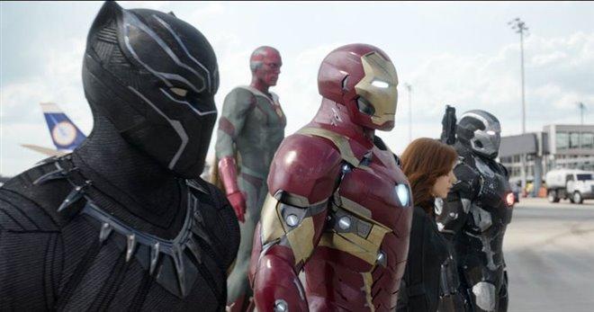 Captain America: Civil War Photo 30 - Large