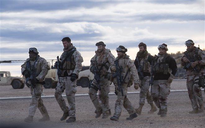La brigade des 12 (v.o.a.s-.t.f.) Photo 14 - Grande