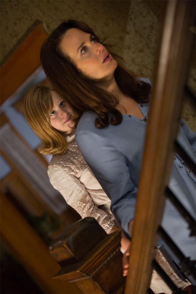 Ouija: Origin of Evil Photo 13 - Large