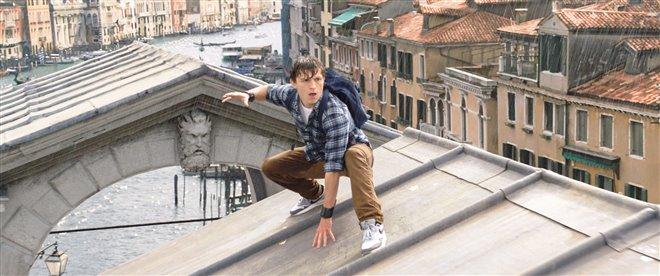 Spider-Man : Loin des siens Photo 1 - Grande