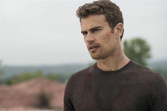The Divergent Series: Allegiant Photo 13 - Large