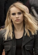 Suki Waterhouse Photo