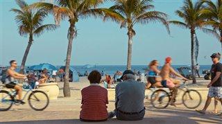 L'amour à la plage Thumbnail