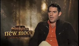 Chris Weitz (The Twilight Saga: New Moon)- Interview Video Thumbnail