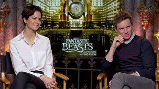 eddie-redmayne-katherine-waterston-interview-fantastic-beasts-and-where-to-find-them Video Thumbnail