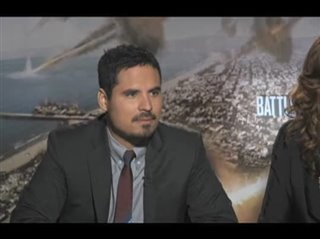 michael-pena-bridget-moynahan-battle-los-angeles Video Thumbnail