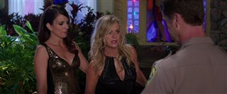 sisters-movie-clip-police-arrive-at-kate-and-mauras-party Video Thumbnail