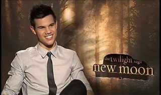 taylor-lautner-the-twilight-saga-new-moon Video Thumbnail
