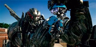 transformers-the-last-knight-preview---izzy-stays-and-fights Video Thumbnail